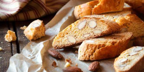 I cantucci toscani sono famosi in tutto il mondo, grazie alla loro bontà e versatilità: scopri la ricetta per il dolce di San Valentino