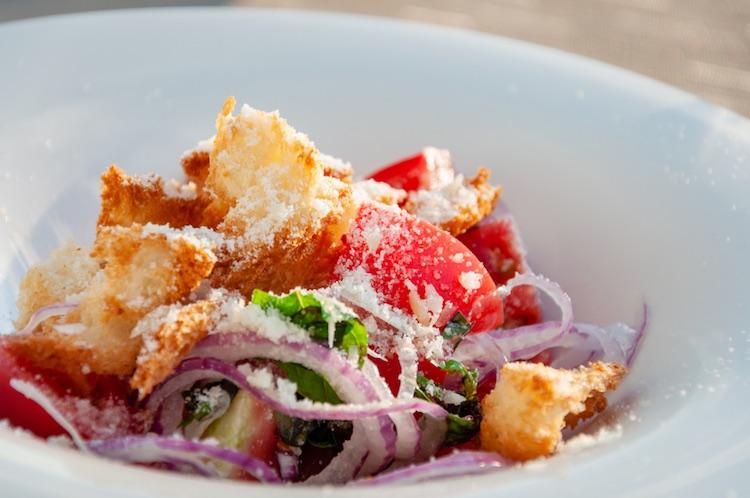 Cosa mangiare a Firenze oltre alla bistecca? Bè, c'è davvero una vastissima scelta di piatti tipici fiorentini, gustosi e...vegetariani!