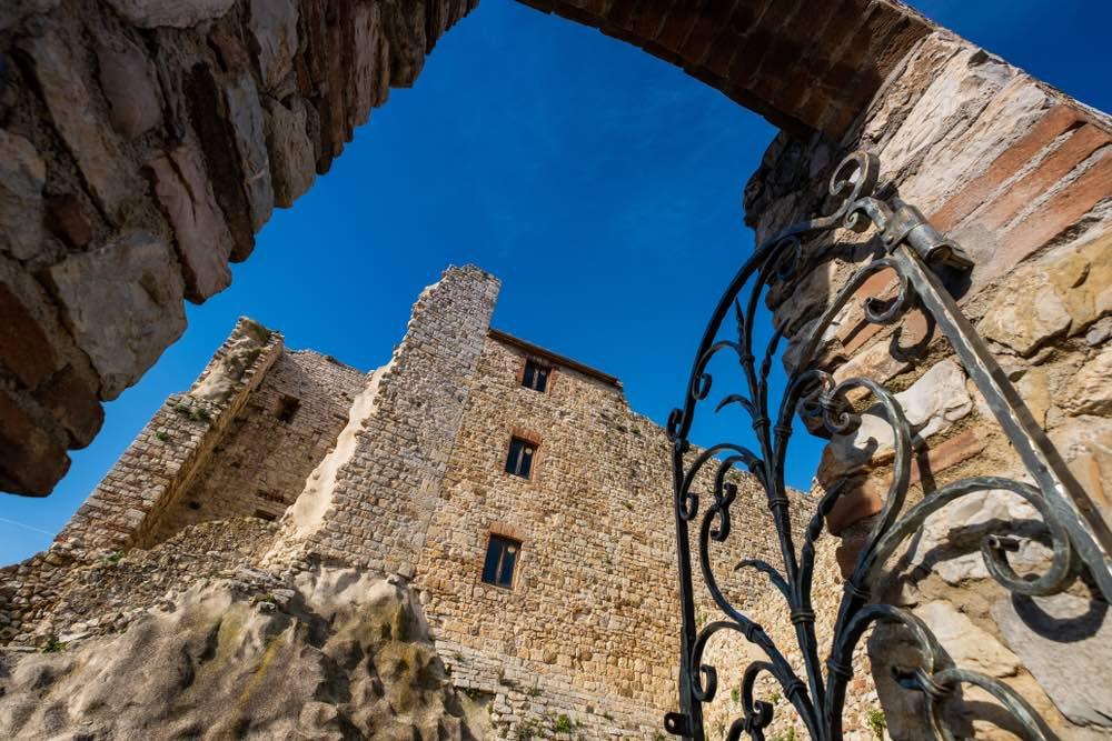 La Rocca aldobrandesca di Suveret0