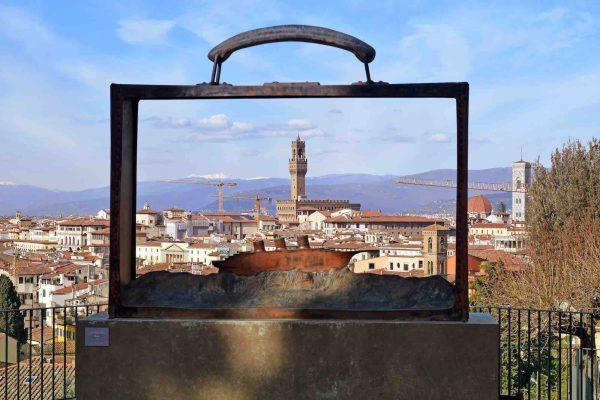 Le opere di Jean-Michel Folon a Firenze sono davvero tante, grazie al profondo amore che legava l'artista al capoluogo della Toscana.