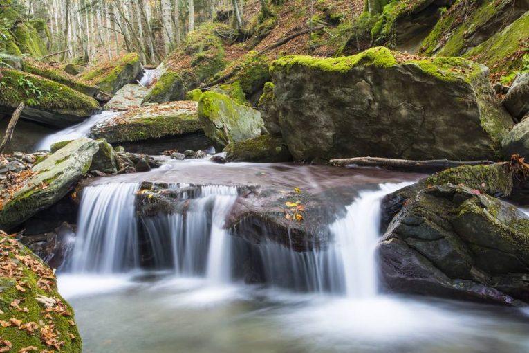 Quali sono i fiumi della Toscana? Dove si può fare il bagno? E rafting? E trekking? Mappe e itinerari per viversi il meglio dei fiumi toscani