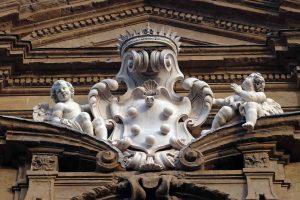 Cerreto Guidi è un borgo toscano vicino a Fucecchio sulla Via Francigena. E' famoso per la sua Villa Medicea e per il presepe all'uncinetto