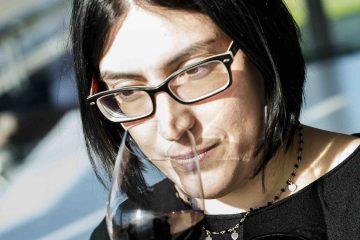 Intervista a Olga Fusari, l'enologa di Ornellaia, azienda famosa nel mondo, grazie ai suoi vini toscani maturati tra le vigne di Bolgheri