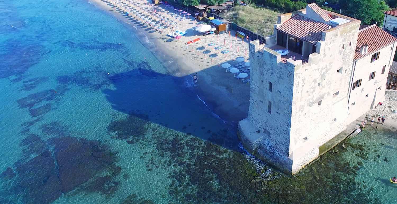 Il Parco della Sterpaia, tra Piombino e Follonica, con i suoi 8 km di spiaggia è una delle località di mare più conosciute della Maremma