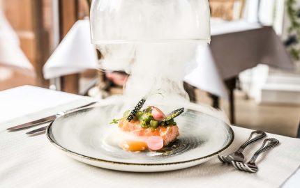 Sei in vacanza in Toscana e cerchi un ristorante per stasera? Ecco 10 ristoranti stellati in Toscana selezionati dalla Guida Michelin 2019