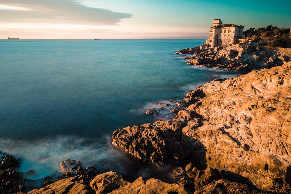Il Dé toscano o Dé livornese, è una figura linguistica tipica del parlato della costa da Piombino a Marina di Pisa. Ma cosa significa dé?