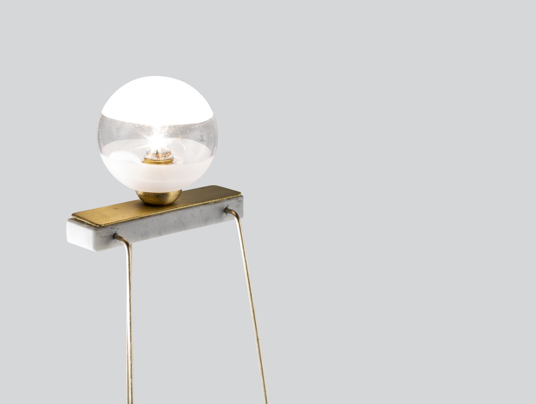 Niccolò Garbati è il giovane designer toscano di Carrara, fondatore di Progetto99 Stone Design e creatore del Wireless Charging Pad