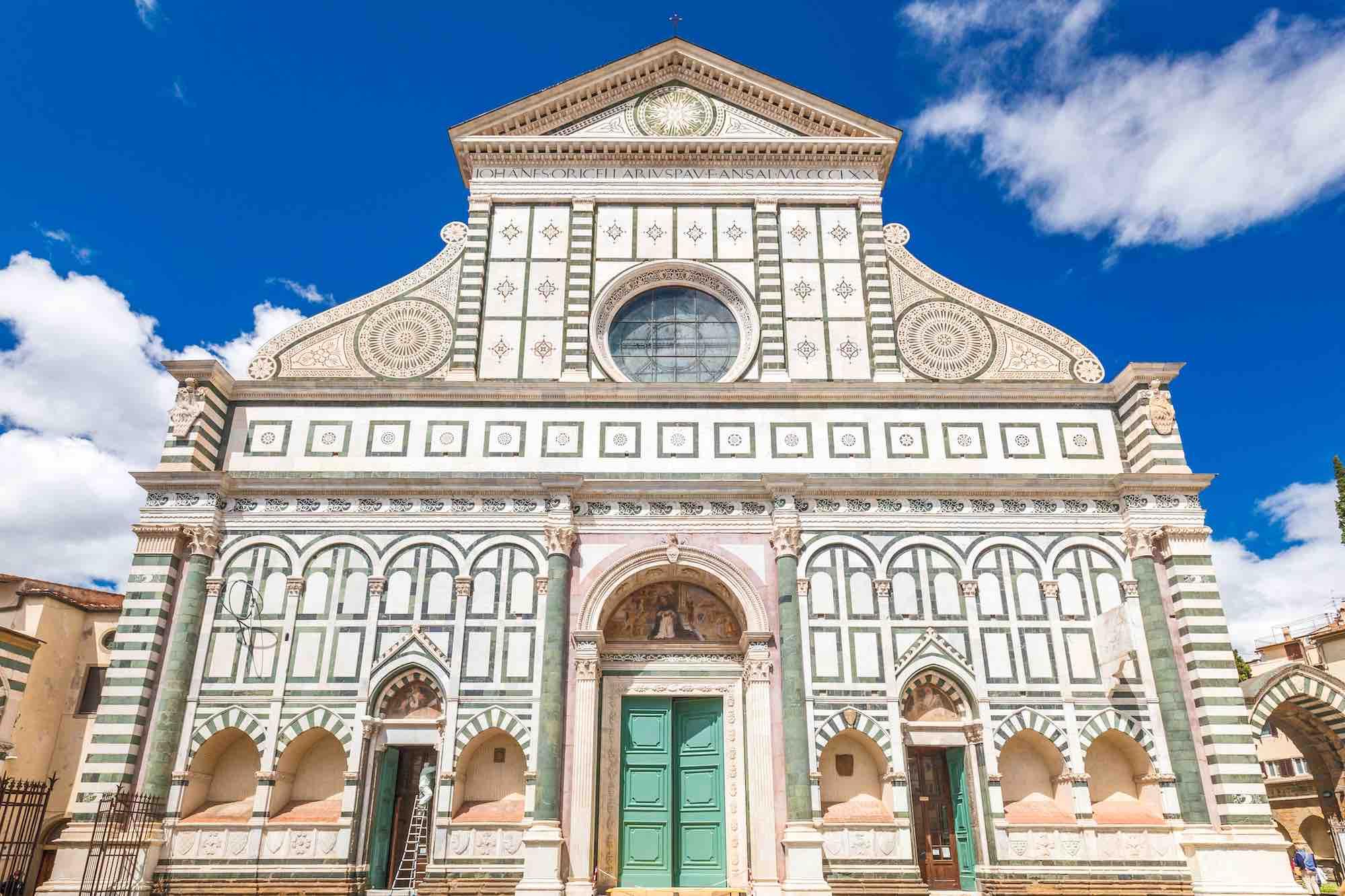 La Basilica di Santa Maria si torva nella piazza principale del quartiere storico di Santa Maria Novella a Firenze