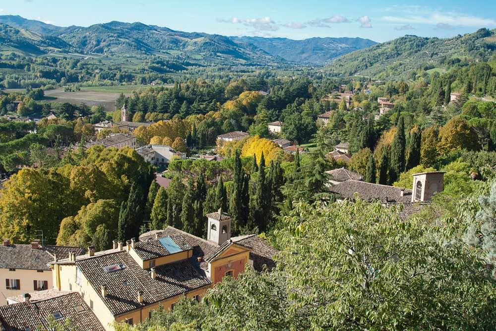 Brisighella è uno dei migliori punti di partenza per per andare in mountain bike in Toscana