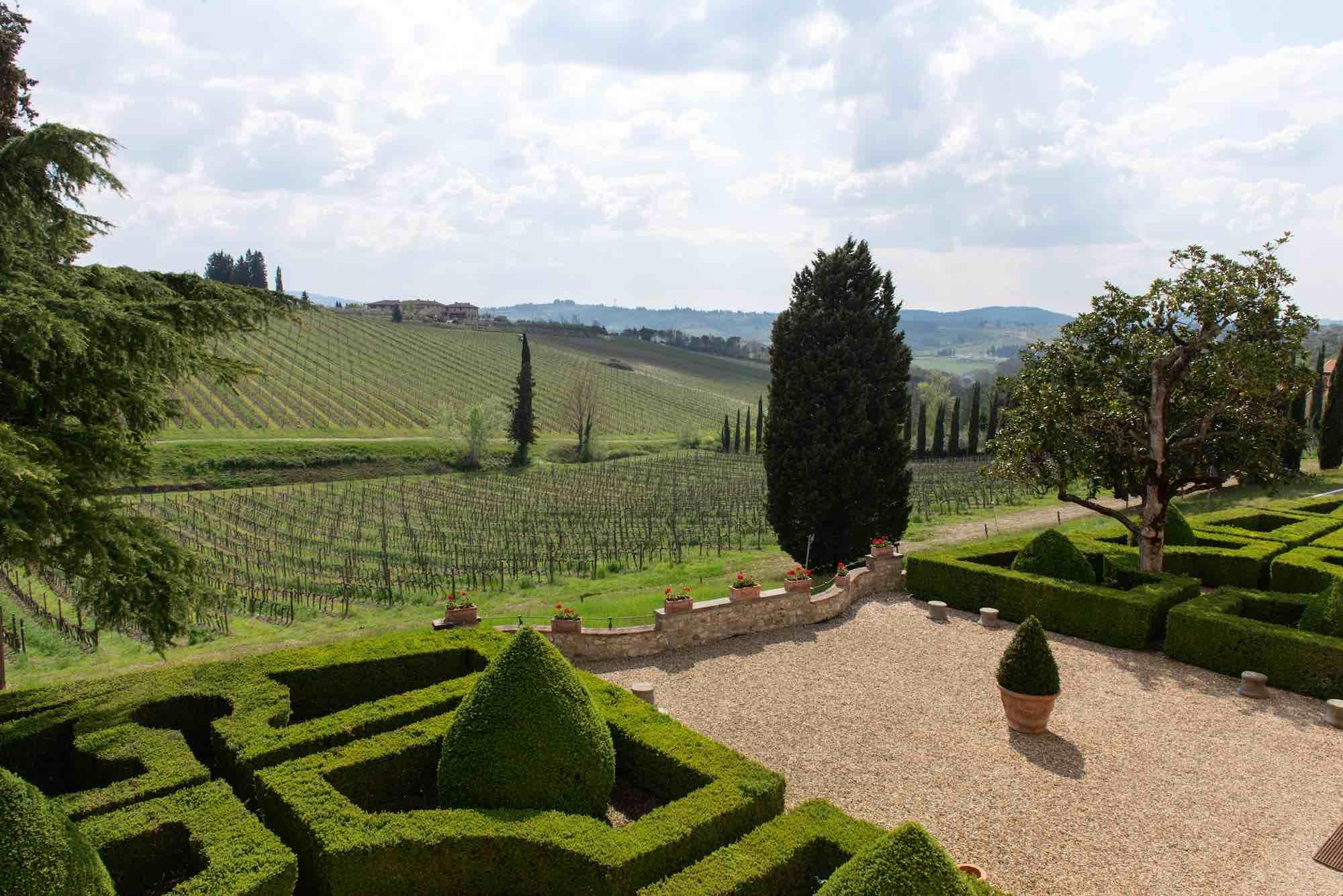 La Tenuta Poggio Casciano dell'azienda Ruffino è tra i migliori wine resort in Toscana.
