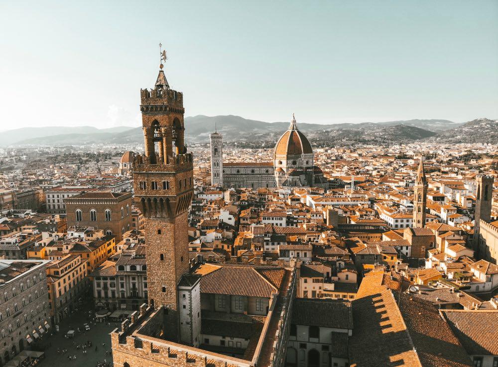 Firenze è la culla del Rinascimento e Palazzo Vecchio e la Cupola del Brunelleschi ne sono i simboli.