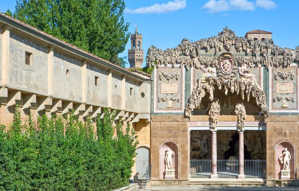 La Grotta del Buontalenti fa parte degli itinerari nella Firenze alchemica.