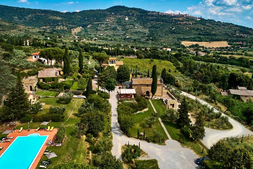 Il Falconiere Relais & Chateaux è tra i migliori wine resort in Toscana.