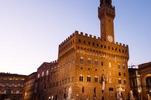 Quando Firenze diventa signoria, Palazzo Vecchio venne chiamato Palazzo della Signoria