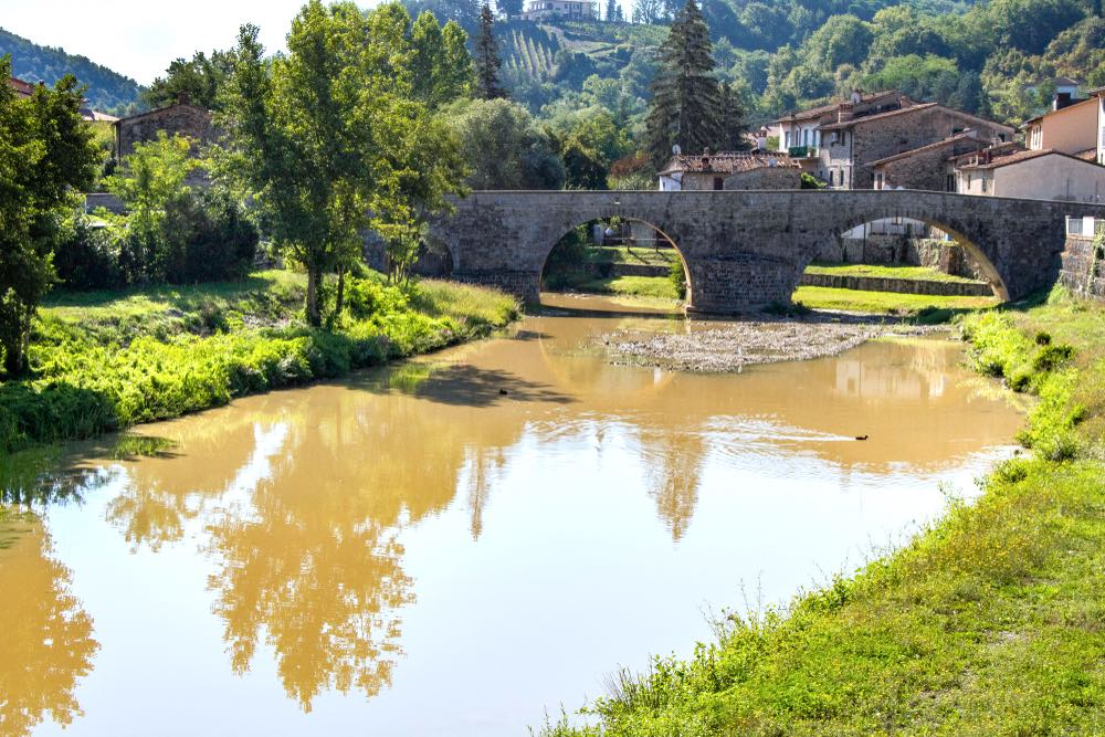 La Val di Pesa è famosa per i suoi ponti romani di pietra, come quello della Sambuca Val di Pesa