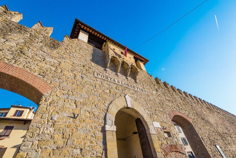 Porta San Lorentino ad Arezzo fa parte della cinta muraria della città toscana.