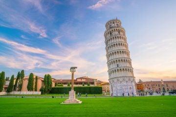 Perché la Torre di Pisa pende e non cade?