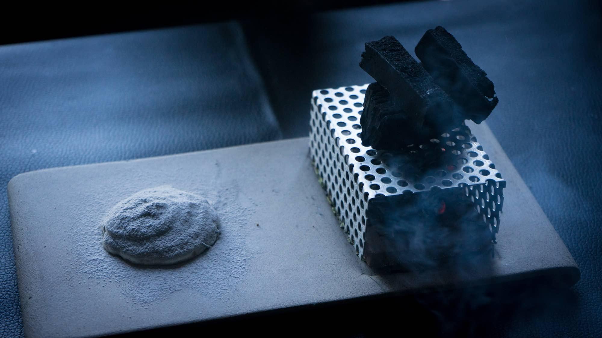 Carbone nella Cenere, piatto dello chef Edoardo Tilli del Podere Belvedere