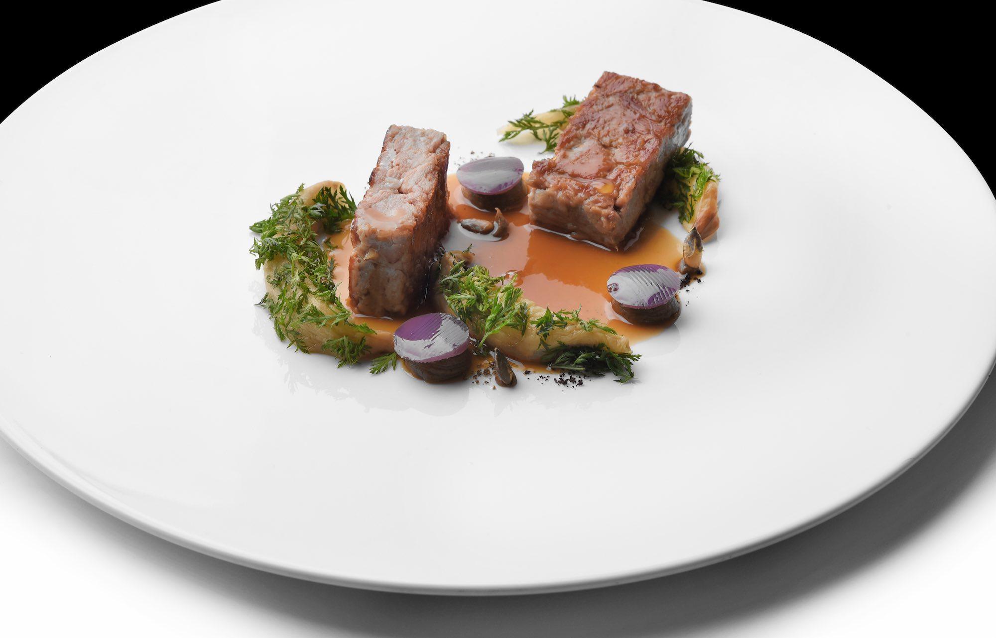 Agnello, piatto dell'Executive Chef Andrea Mattei dei ristoranti della Famiglia Vaiani