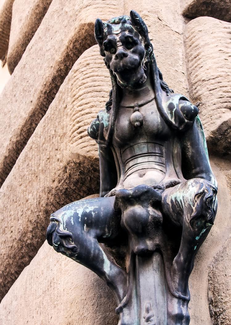 Stauta del satiro in Canto dei Diavoli a Firenze