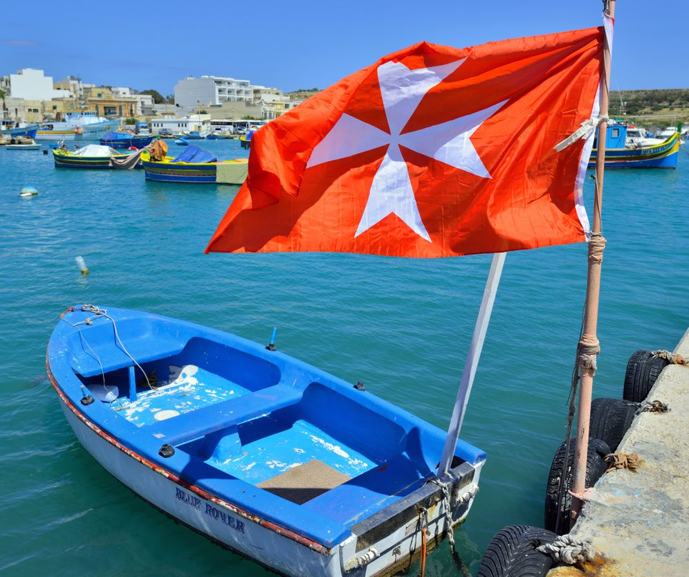 Simbolo della croce: la vecchia bandiera di Malta
