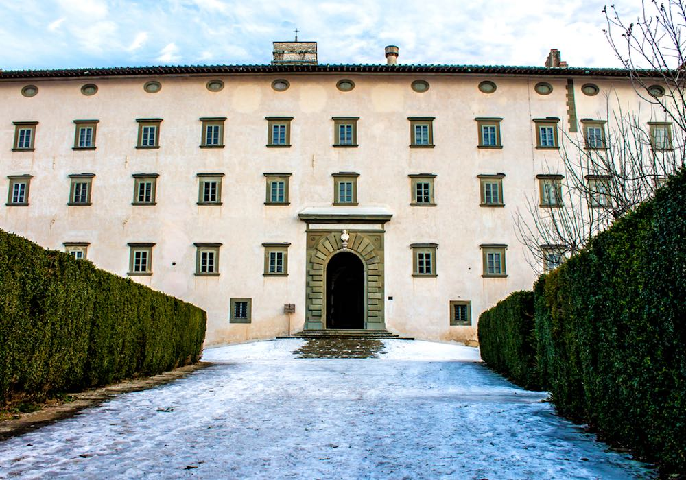 L'Abbazia di Vallombrosa è un affascinante monastero benedettino nel comune di Reggelo (FI)