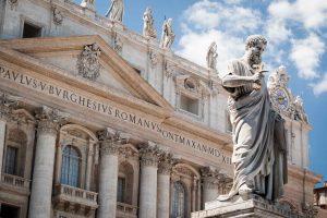 Medici e Borgia: la rivalità delle due famiglie per il soglio pontificio.