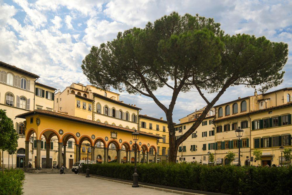 """Piazza dei Ciompi a Firenze è dedicata ai """"ciompi"""" ovvero i lavoratori delle Corporazioni delle Arti e dei Mestieri"""