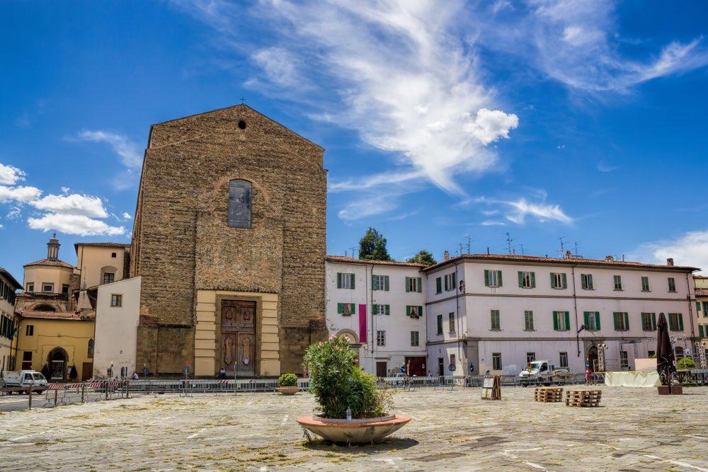 Piazza del Carmine è una delle più belle piazze di Firenze