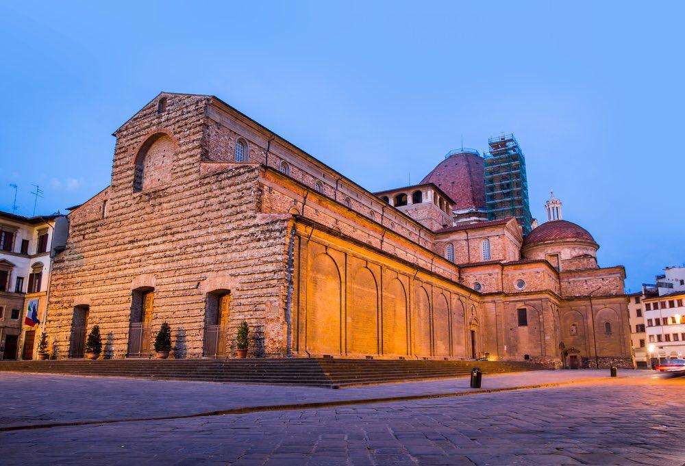 Piazza San Lorenzo è una delle più belle piazze di Firenze.