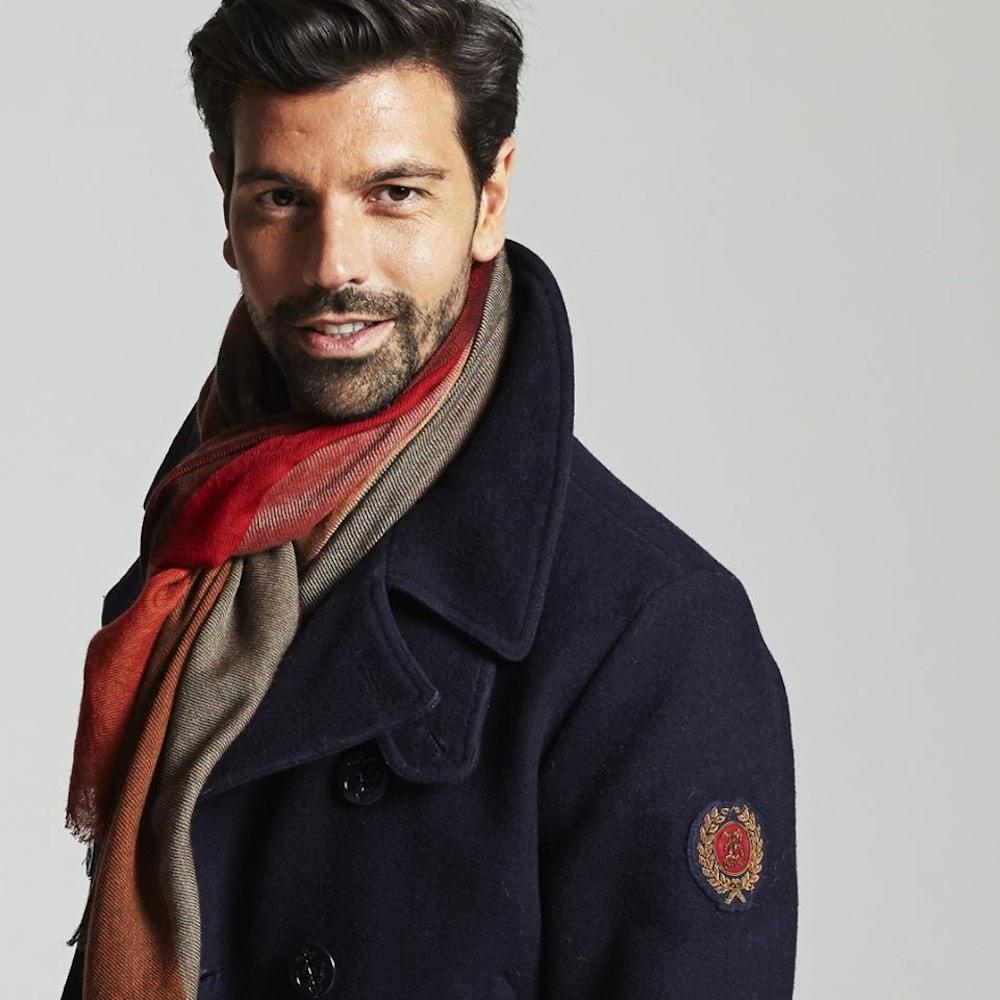 Collezione di 19 Andrea's 47, brand di abbigliamento di cashmere a Firenze