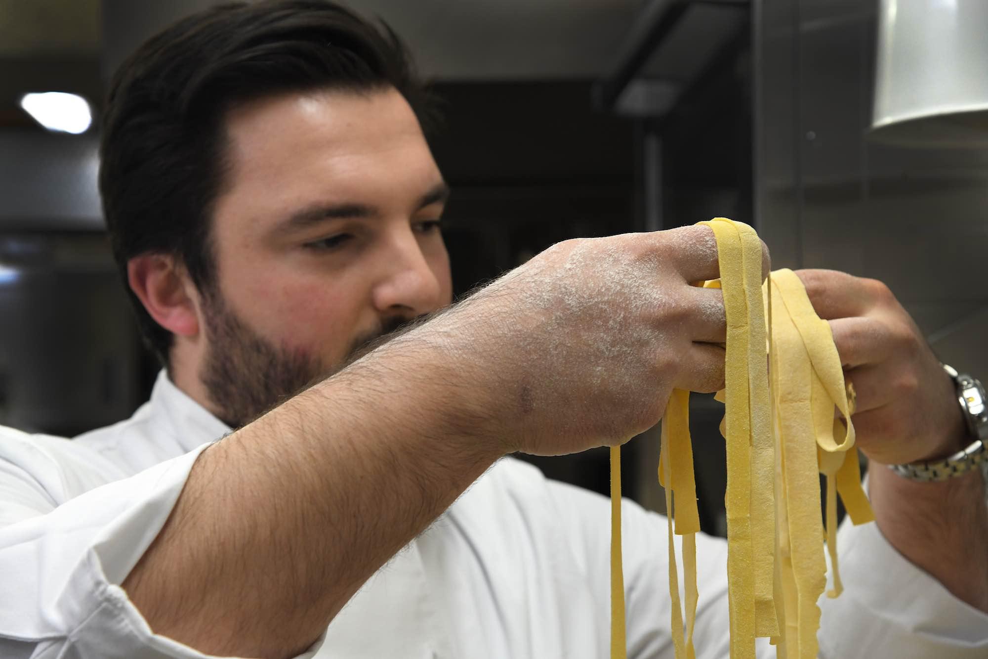 Chef Nicola Micheletti della Locanda Sant'Agata a San Giuliano Terme, in Toscana