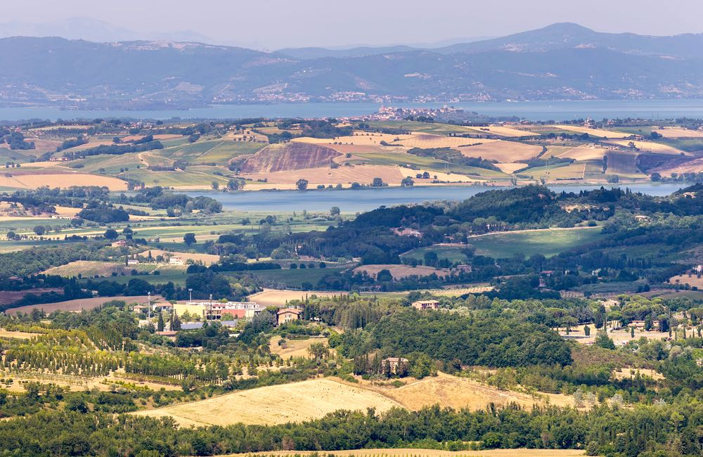 Il Lago di Chiusi e il Lago Trasimeno si trovano sul confine tra la Toscana e l'Umbria