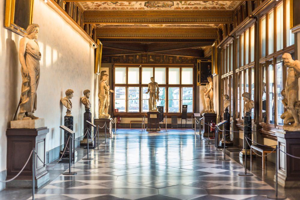 La Galleria degli Uffizi si trova a Firenze e rappresenta uno dei poli museali più importanti del mondo