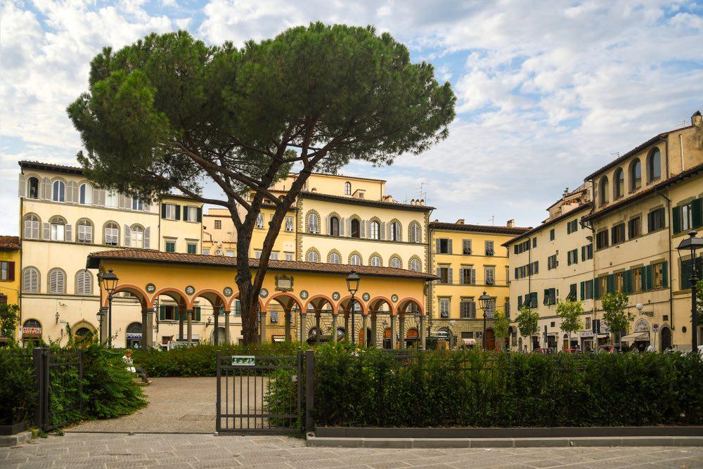 Piazza dei Ciompi è una delle più belle piazze a Firenze