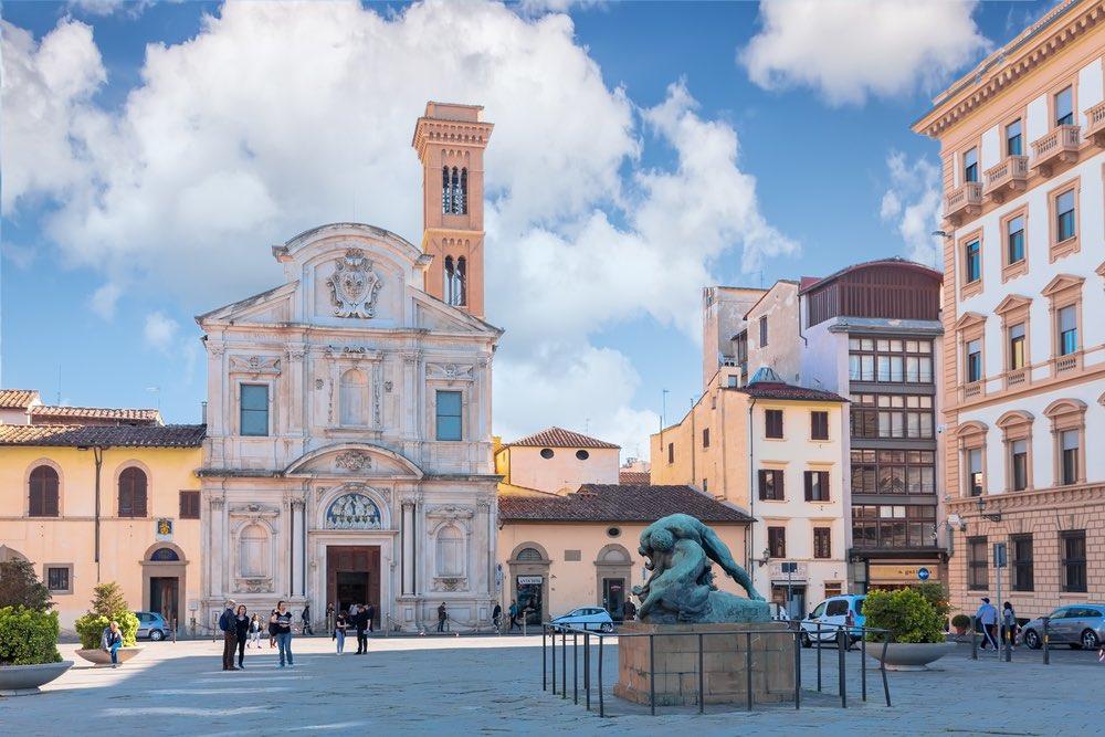 Piazza Ognissanti è una delle più belle piazze a Firenze