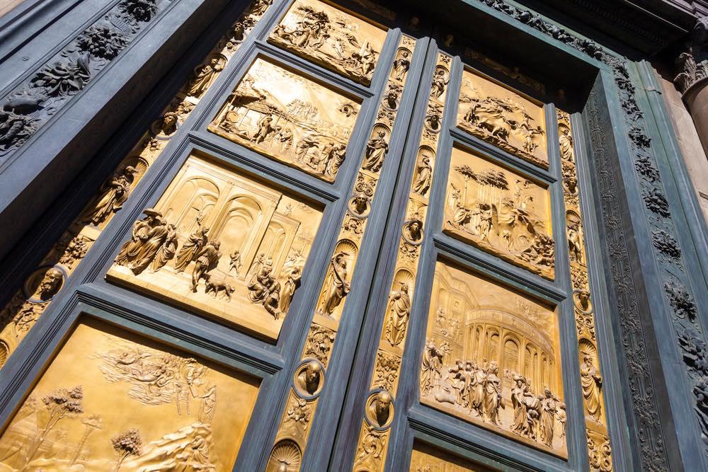 La Porta del Paradiso è una delle porte del Battistero di Firenze.
