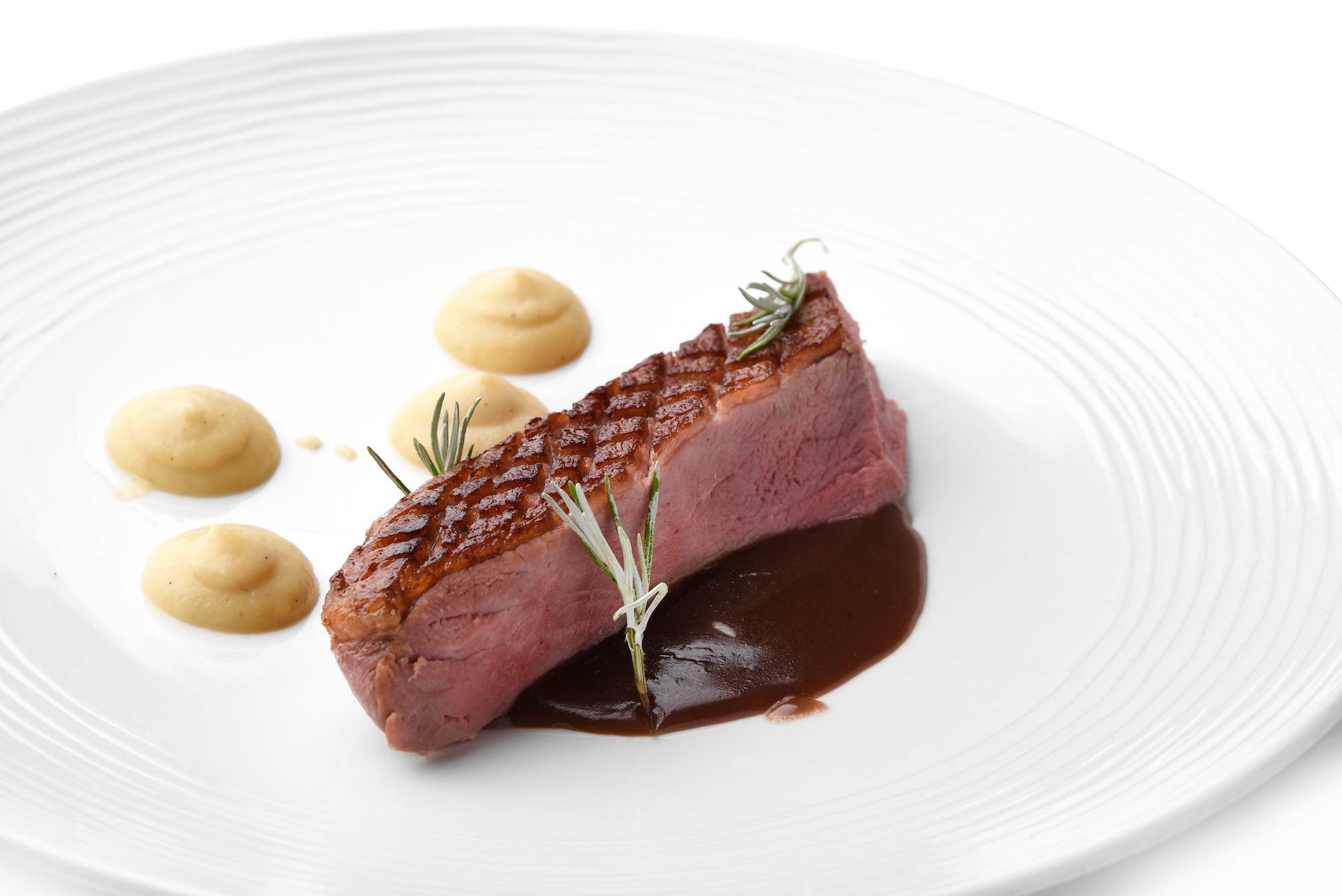 Secondo piatto dello chef Nicola Micheletti della Locanda Sant'Agata a San Giuliano Terme in Toscana