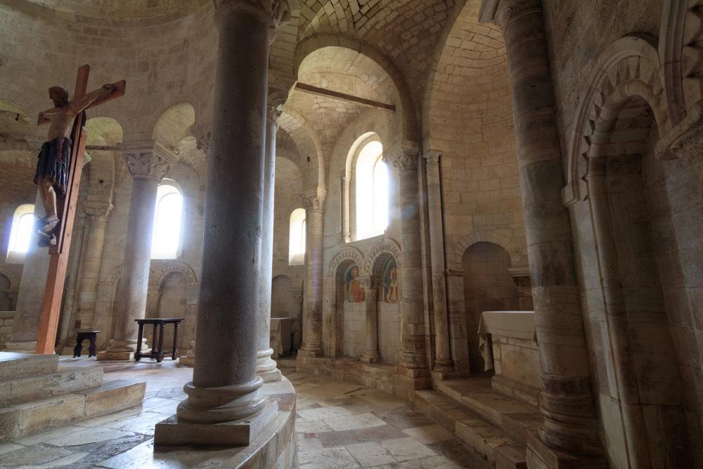 All'interno dell'Abbazia di Sant'Antimo si trova un crocifisso ligneo del XIII secolo