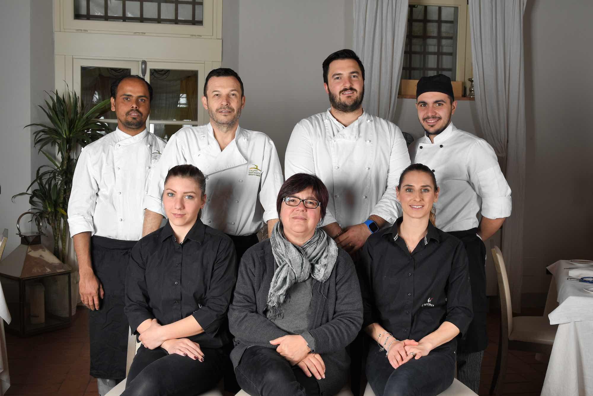 Chef Nicola Micheletti e team della Locanda Sant'Agata a San Giuliano Terme, in Toscana