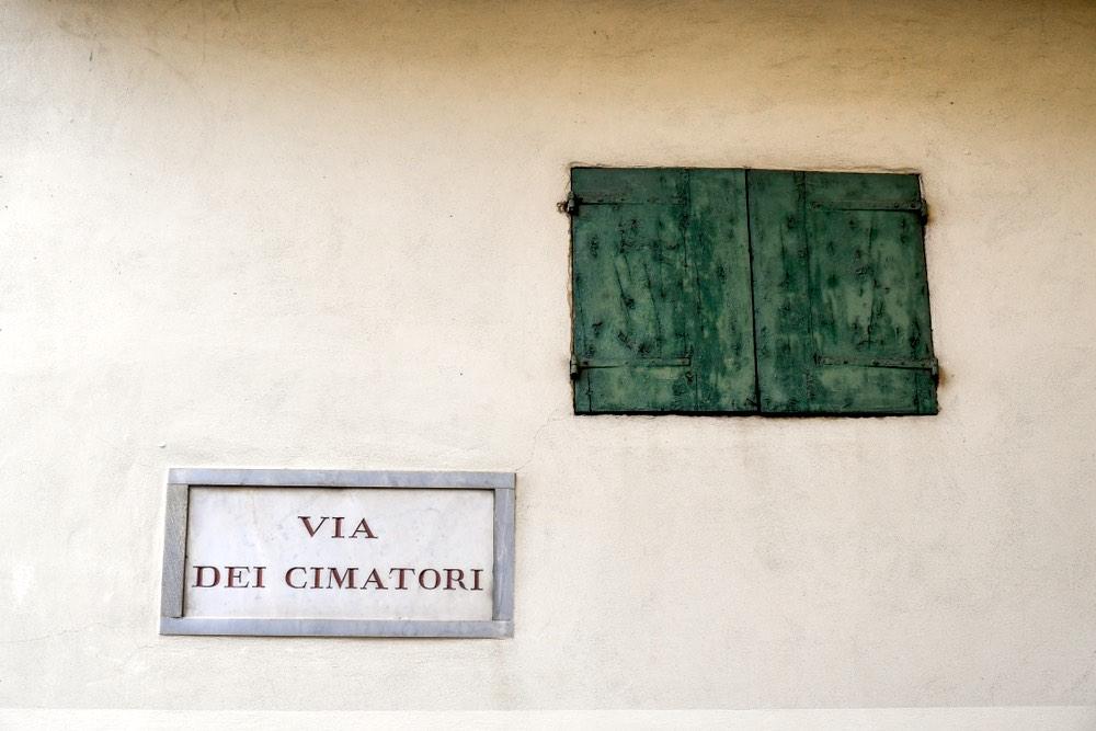 Una delle vie di Firenze più antiche è Via dei Cimatori.