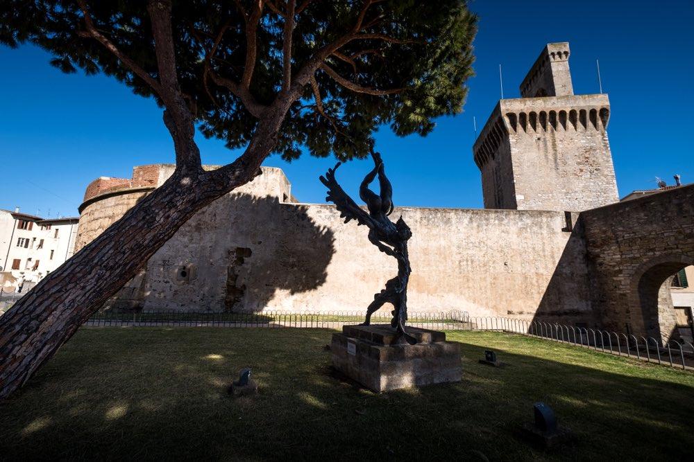 Il Castello di Piombino con vista sul Rivellino e Torrione