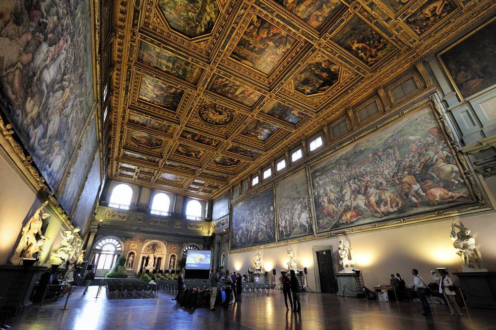 Il Carnevale di Firenze si tiene nel Salone dei Cinquecento in Palazzo Vecchio