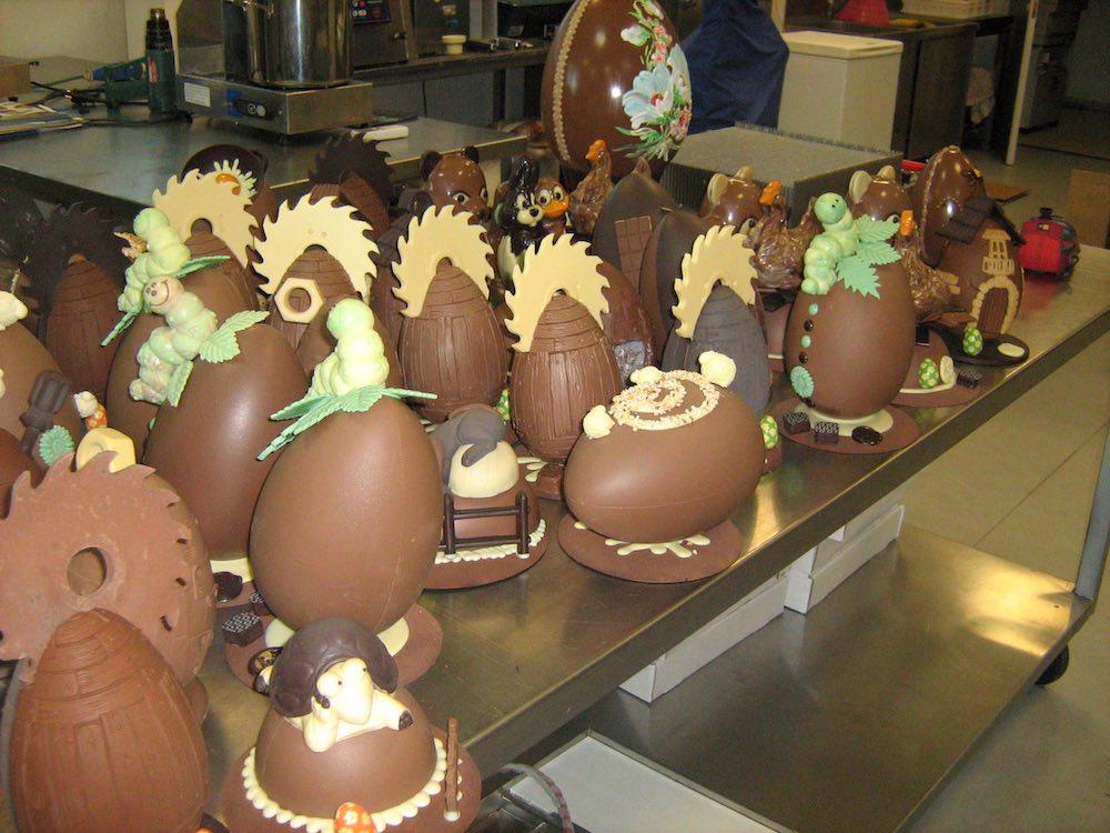 Produzione delle migliori uova di cioccolato artigianali toscane de Le Follie di Arnolfo