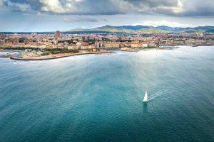 Livorno vista dall'alto dal mare