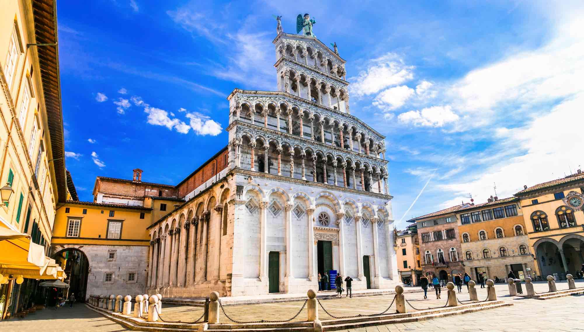 San Michele in Foro è una delle chiese principali di Lucca