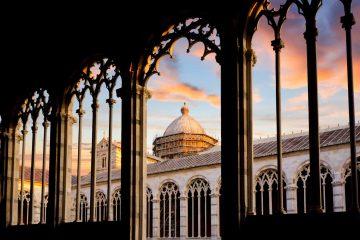 Duomo di Pisa al tramonto, visto dal Cimitero Monumentale.