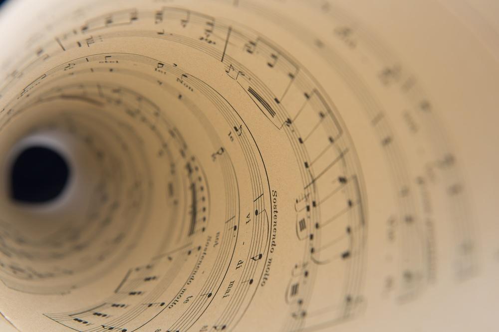 Spartito musicale arrotolato