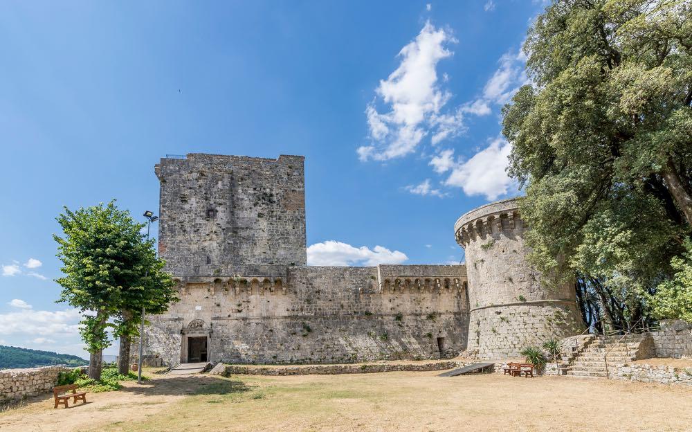 Castello di Sarteano, borgo in Toscana sul Monte Cetona