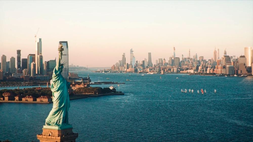 Manhattan e la Statua della Libertà a New York